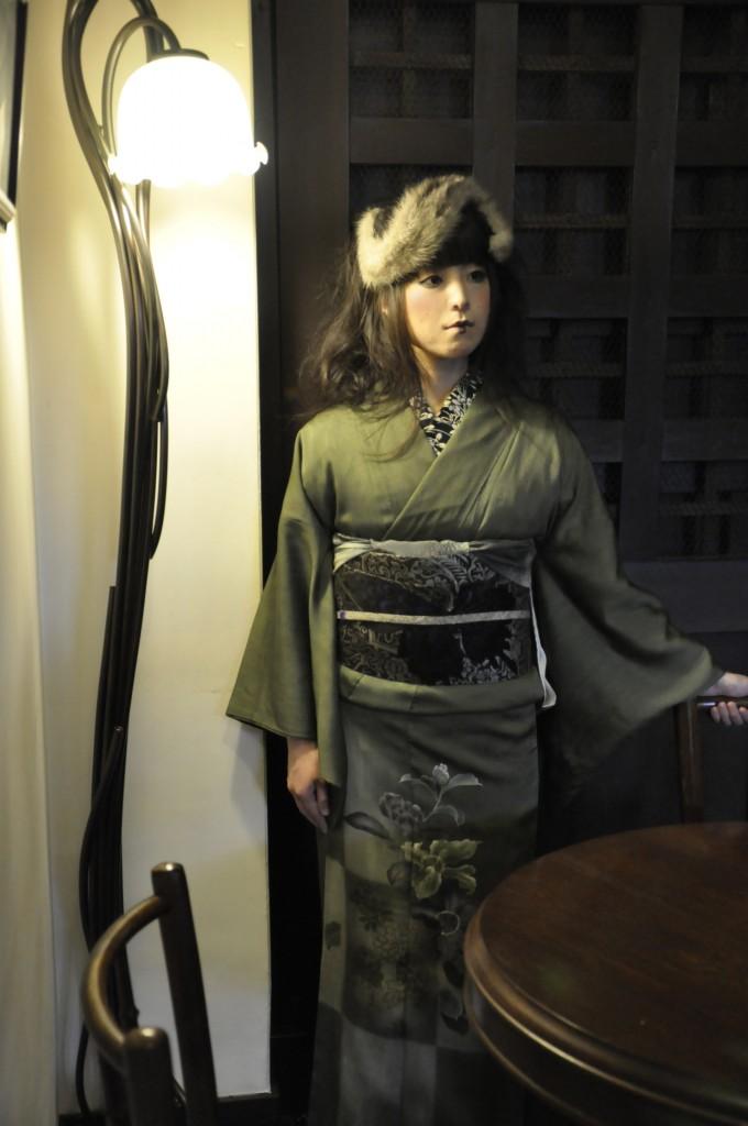 ミンクヘッドドレス アンティーク 裾模様